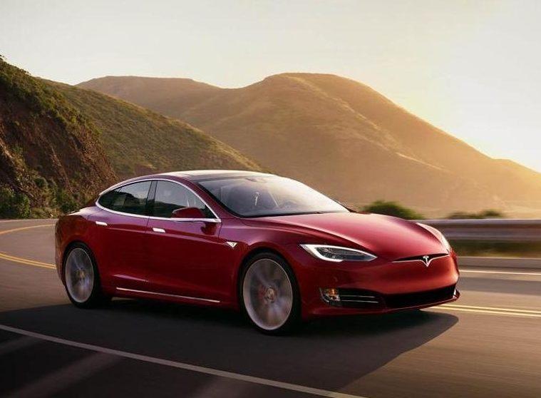 Tesla meglio delle tedesche. Sì, è successo veramente!